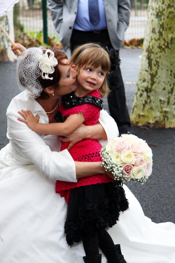 Le baiser de la mère à sa fille
