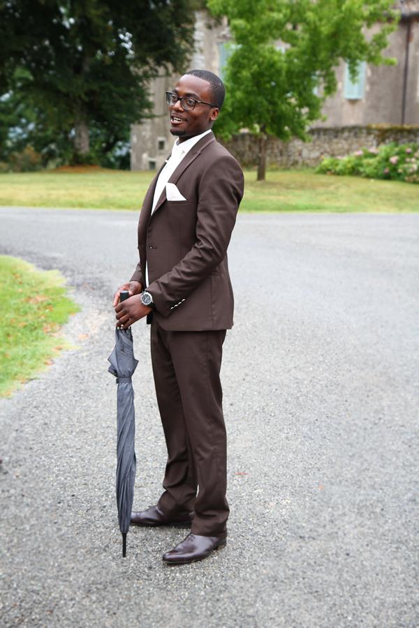 Photographe Mariage Cahors / Le marié au parapluie