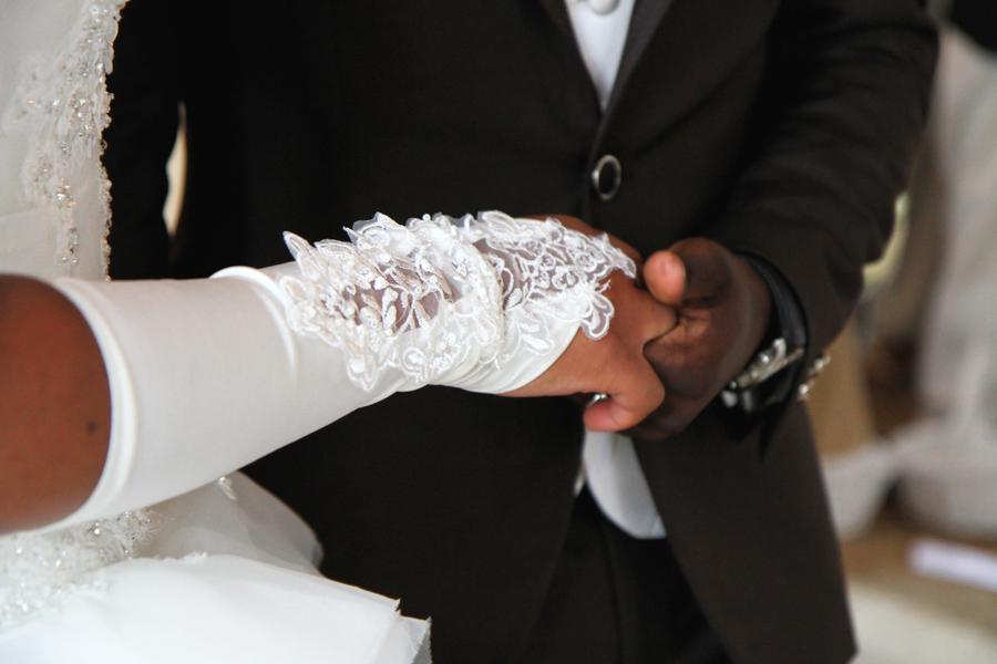 Photographe Mariage Cahors / Mains dans la main