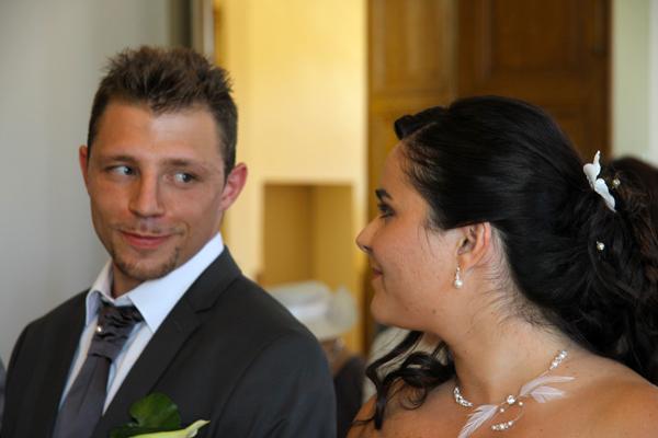 Photographe mariage l'Isle Jourdain - Regard complice