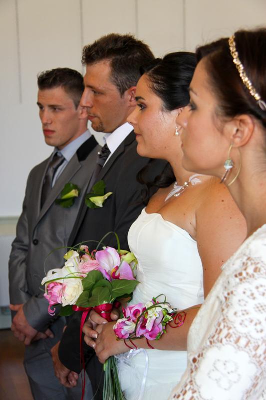 Photographe mariage l'Isle Jourdain - Les témoins et les mariés