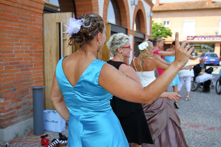 Danse devant la mairie