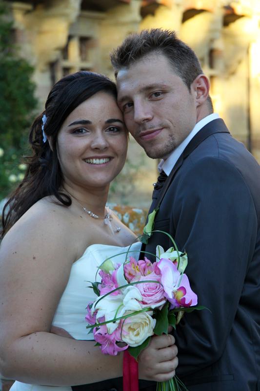 Photographe mariage l'Isle Jourdain - Les mariés posant