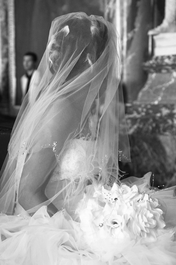 Photographe Mariage Toulouse / La robe en mouvement