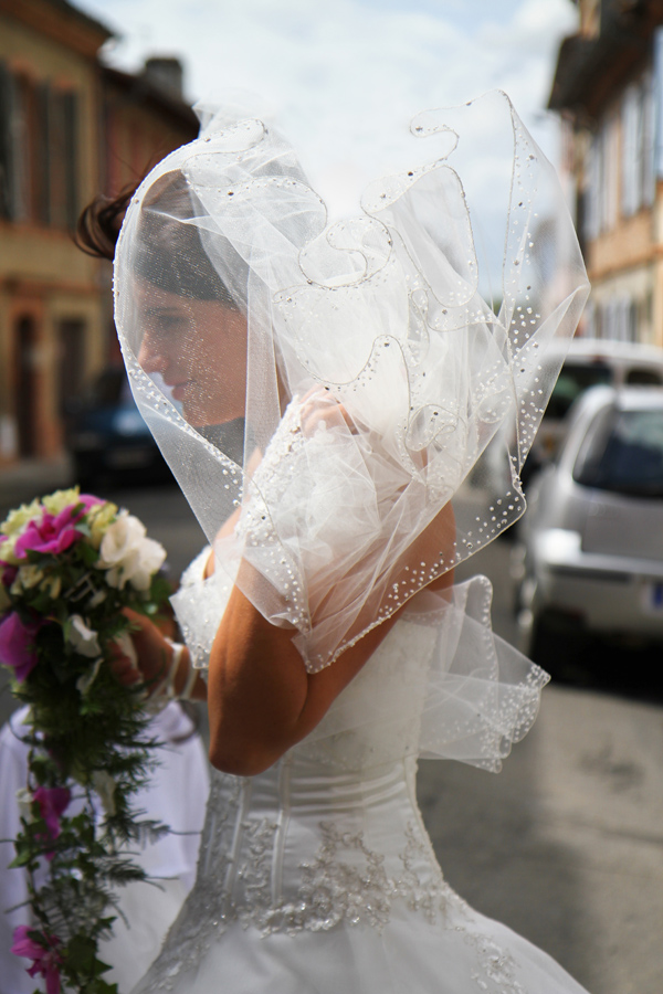 Photographe mariage Muret / Le voile en coeur