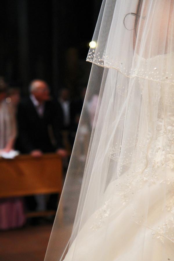 Photographe mariage Muret / Détail de la robe