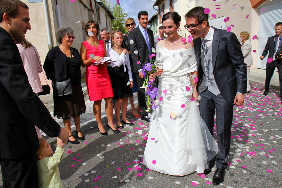 Photographe mariage Fronton / Sortie de la mairie