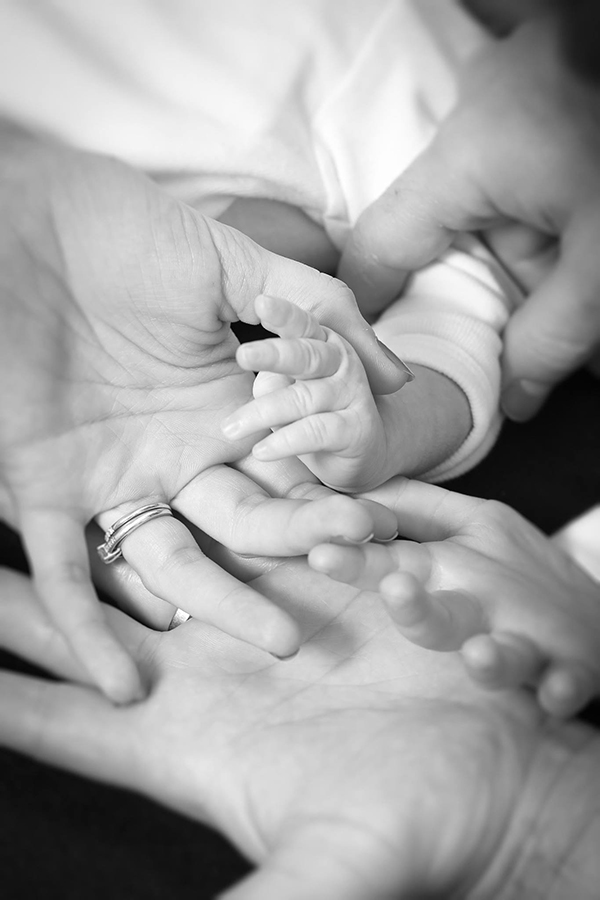 photographe bébé mains